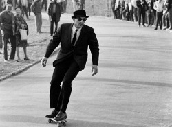 A little look back at sidewalk surfin', New York City-style.  From the lens of Photographer Bill Eppridge and brought to our attention by Retronaut,  1960s NYC goes skating. You get the feeling that someone just pulled up  with a truck full of boards, handed them out and looked on as everyone  went a little nuts. We can't pretend we weren't pulled in by the amazing  garms some of these guys are sporting but these images are just about  big fun. Respect to all the perfectly turned out ladies who don't even  bat an eyelid as out of control kids hurtle towards their ankles. Images  via Life.