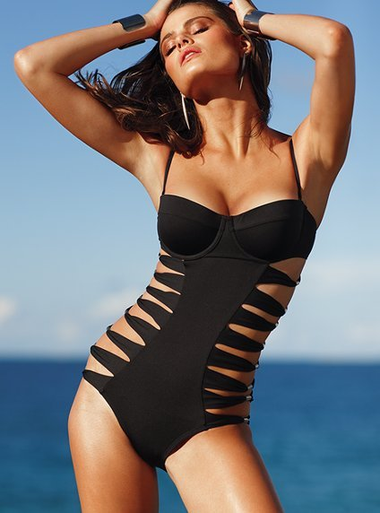 via: theothersideofthelense Cut-out swimsuits - yes!