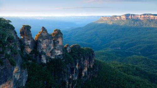 The Three Sisters, New South Wales Photo by Pete Seaward