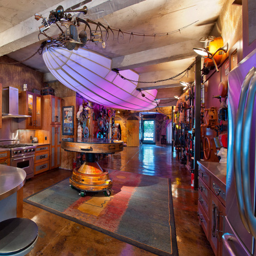e-pic:  Steampunk Apartment in Chelsea, NYC