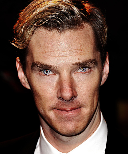 honey-im-holmes:  roundofthebaskervilles:  His eyes!?!  HOW????  … did you swallow a unicorn or something.