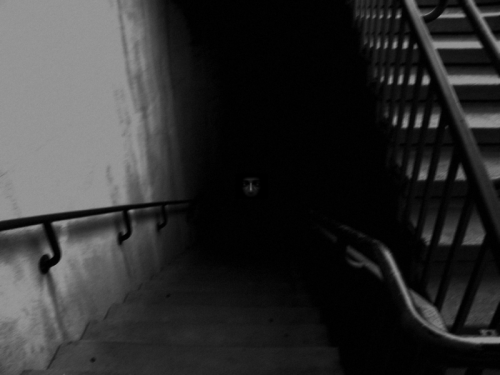otlgaming:  SCP-087 AKA THE CREEPY STAIRCASE GAME SCP-087 (free download available here) is a Unity first person horror game based on the SCP-087 entry at the SCP Foundation. Basically it's a never ending stairwell with random creepy and scary sounds but past the surface it's an immersive experiment into fear.    Taking things one step further from imaginative creepy tales on the internet, SCP-087 is a simple, creative descent into what scares you and how much can you take before it's too much. Try it out and see how far you can travel down those dimly lit stairs before you turn back or turn the game off.  okay i can't even handle that image in itself but who wants to play this with me