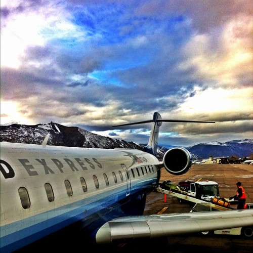 WELCOME TO ASPEN #skygasm #cloudporn #sky #snow #powder #jetlife #jets #bestoftheday #picoftheday #photogenic #photography #iphoneonly #airplane #flying #Aspen #board #livefast #iglove #igdaily #instatalent (Taken with Instagram at A Little Place Called Aspen, California)