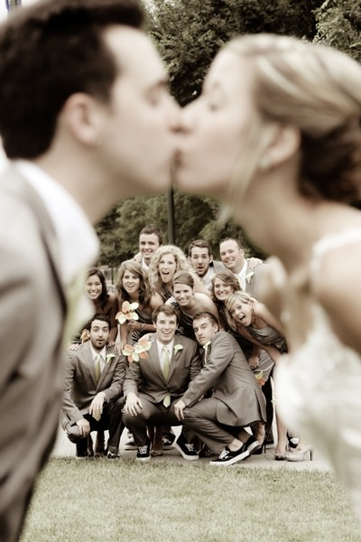 jennasaidwhat:  Cutest Wedding Photo Ever