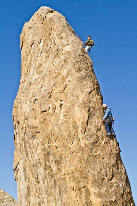 Eddie climbing the 10a at Shark's fin.   (via Photos of You)