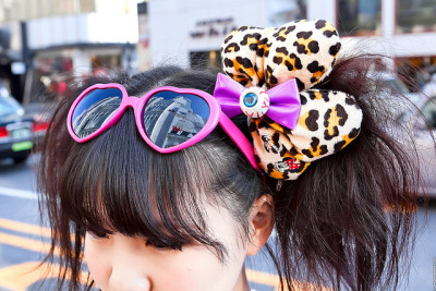Eyeball Hairbow, Harajuku by tokyofashion on Flickr.