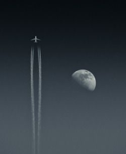 Moonward Bound by gustaffo89 on Flickr.Thank you to fellow Flickr member DigitalAnthill for uploading this to reddit.com yesterday and getting me some much appreciated publicity. Rob, I owe you one. An A380 (or perhaps a 747) jets into the sky above Guernsey on a beautifully clear April day. I reckon this one's worth viewing large ;-) We've had some more stunning weather down here in the channel islands, and amazingly clear skies too. I've taken a few photos of planes before, but never had the clarity I've got here, so there must be something particularly clear about the air today. Taken with a Sony A33 and Minolta 70-300mm at the long end. No photoshopped elements, just a monochrome conversion and a bit of work on the contrast. Initially I thought this was a 747, but it's got the characteristic A380 'bulge' in the centre. Any alternative suggestions are welcome! Reached #77 in Explore.