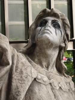 fuckyeahcorpsepaint:  Black Metal statue in Berlin.