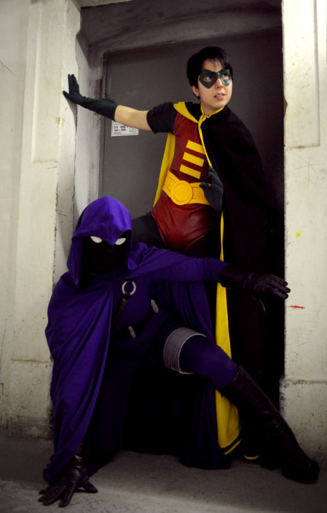 Detective Comics: The Spoiler and Robin by *Aigue-Marine (Photo + Edit by PetitPotato; Robin Costume made by Naraku; Spoiler Costume mady by Aigue-Marine)
