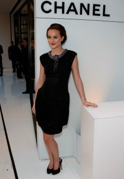 louisvu-tton:  exhalevogue:  Leighton Meester  .