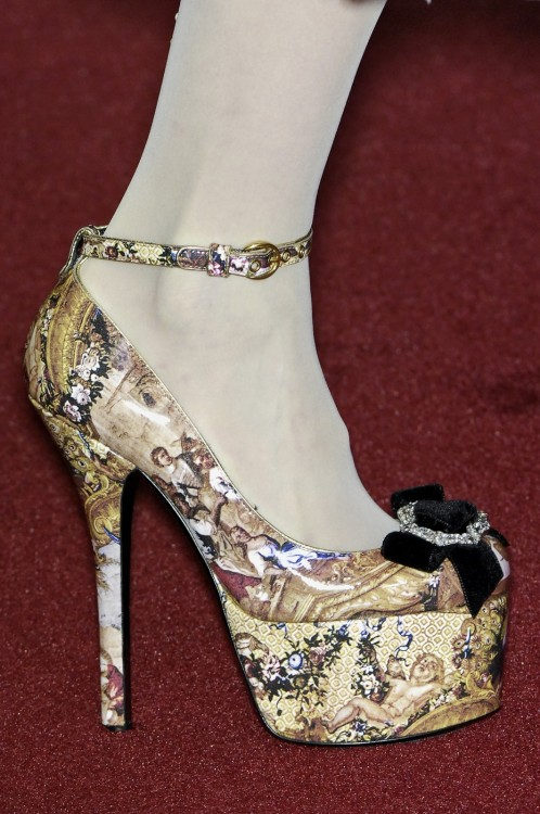 highqualityfashion:  D&G FW 2009 details