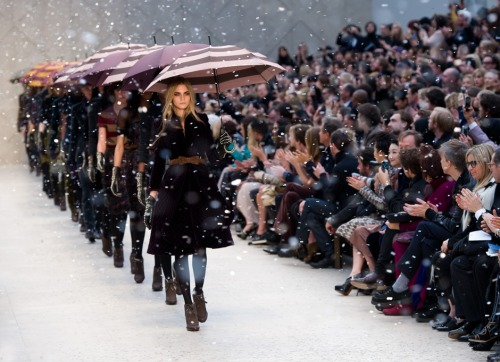 labellefabuleuse: Burberry Prorsum, Fall 2012