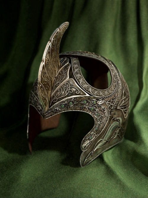 A Elvish helm
