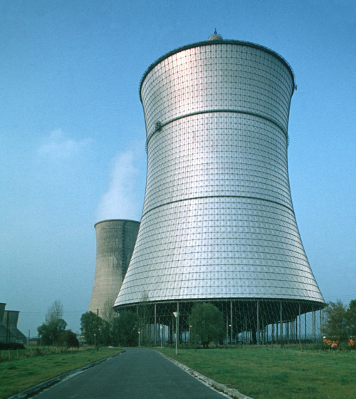 fuckyeahcoolingtowers:  Cooling tower of the experimental THTR-300 thorium reactor, Germany (via)