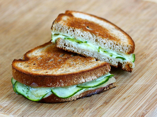 cucumber cheese toasty
