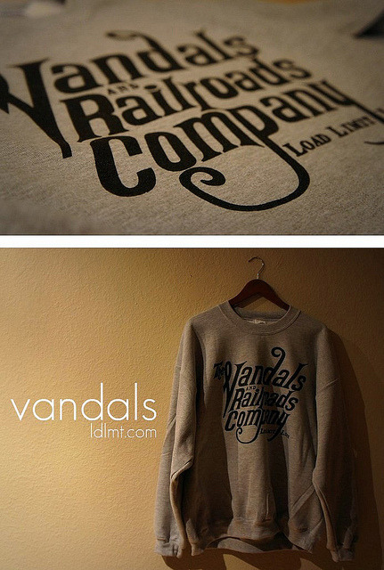 Vandals Crewneck on Flickr.-LDLMT