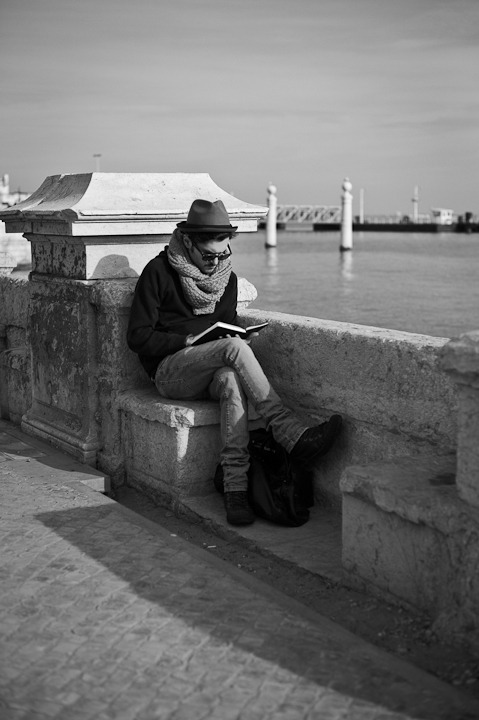 The Reader…  (Lisbon)  Leica M9 + 50mm Summicron
