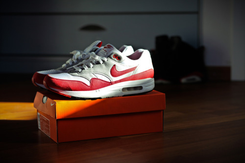 New Pickup.. 2005 Nike Air Max 1 red OG's.. simply my favorite sneaker in my collection. so classic, I'm searching for a second pair !