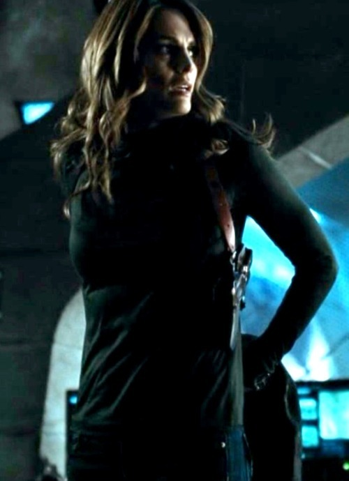 kate beckett's Eliza Maza impression.  VERY HOT!!!!  #bangcity #sexysex #hotchicks