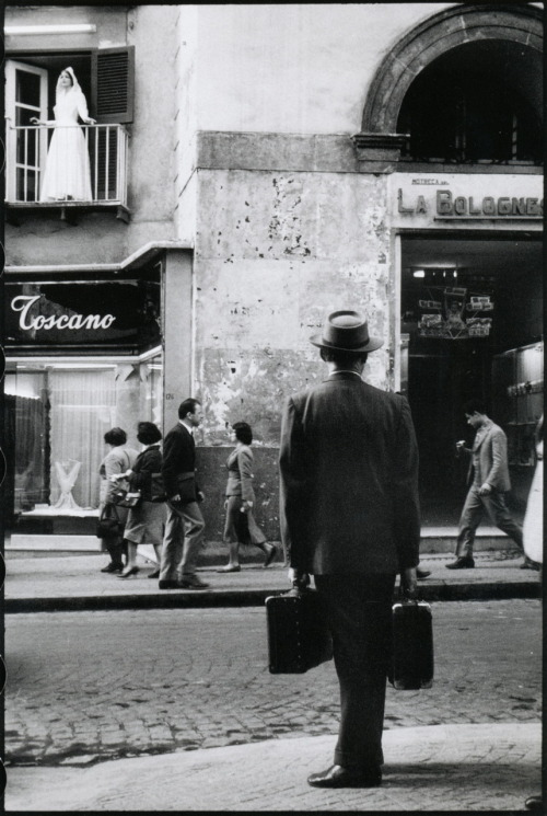 firsttimeuser:  Naples, 1958 by Leonard Freed