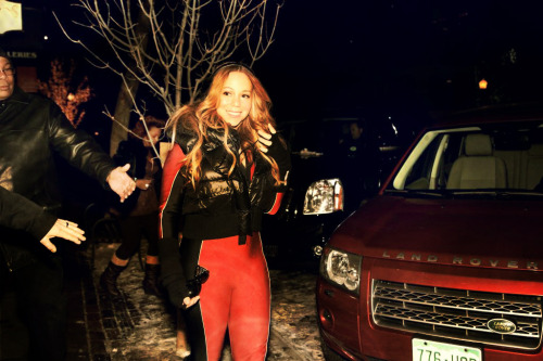 @mariahcarey Always dresses so cute when she goes to Aspen.