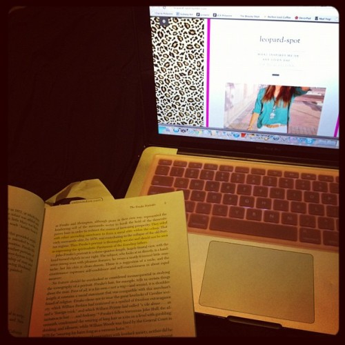 #febphotooftheday #whereiwork aka in my bed and on my laptop  (Taken with instagram)