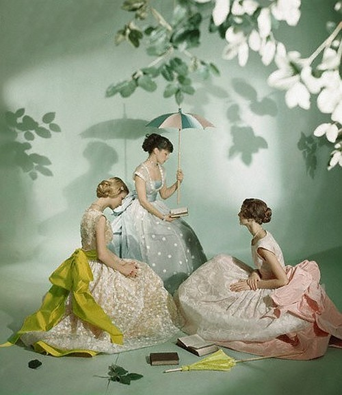 theniftyfifties:  Summer dresses photographed by Cecil Beaton, 1950s.