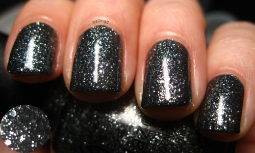 china glaze - tinsel town you guys… i've been so busy. i am working on HARE though, i am so excited to let you guys in on what i've been doing! until then, i have to get back to work…!