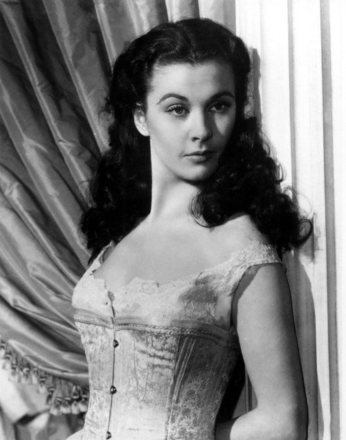 suicideblonde:  Vivien Leigh in Gone with the Wind   I was unhealthily obsessed with Gone with the Wind when I was a little girl and watched it so many times I ruined the tape. Guess I've always been a little obsessive about weird shit..