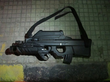 A FN F2000 I've found in Tripoli in February 2012. To read the article about it in Dutch on Apache.be, just click on the picture. For the French version, click here. If you didn't purchase your pass to read all the articles on Apache.be, you should definitely consider doing it.