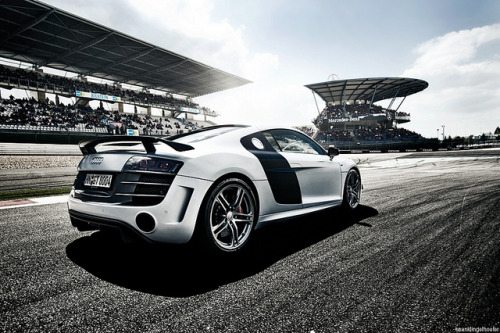 i-drive:  Audi R8 Pace car 24h Nurburgring by Nike SB'd on Flickr.