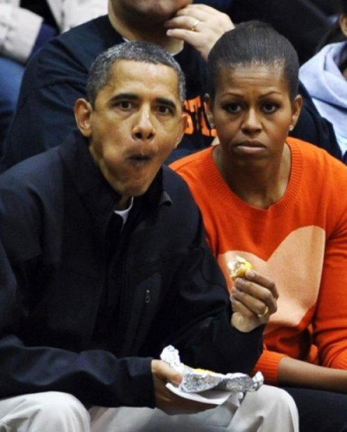Politicians Eating - An Important Gallery Obama eating a hotdog.