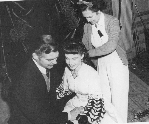 ohsheissolovely:   Vivien Leigh and Clark Gable on the set of Gone With the Wind