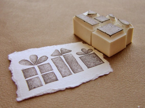 what a simple idea to make great labels for gifts and goodies.  i'm sure it would be possible to make something similar myself, but it would be so much easier just to buy the gorgeous set from this lovely etsy shop. check out all their lovely bits and bobs here: www.etsy.com/shop/paperfruithair