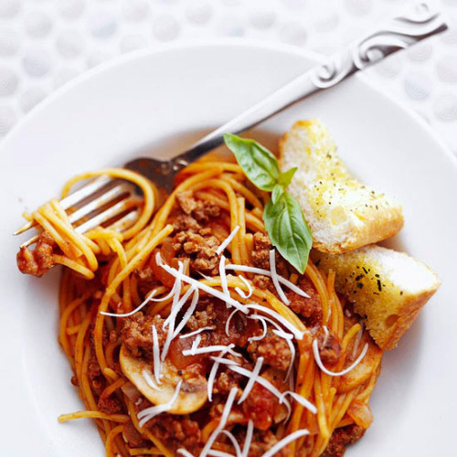bhgfood:  Daily Dish: Our One-Pot Spaghetti is a classic dinner dish you're sure to love.  Seems fitting to repost since my family used to eat spaghetti every Thursday night!
