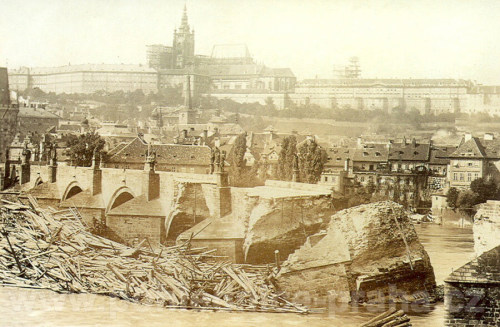 Charles bridge after 1890 flood, Prague