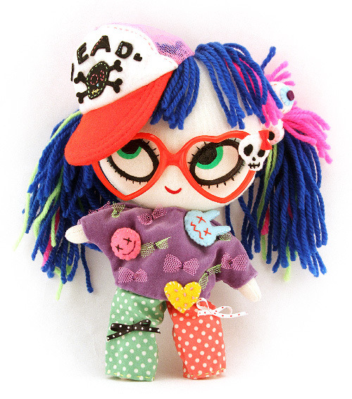 Halloween Eye Candy: Sweet & Creepy Plushies by Mizna Wada