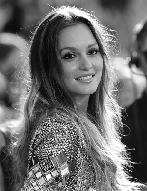 bl-ossomed:  leighton is beautiful