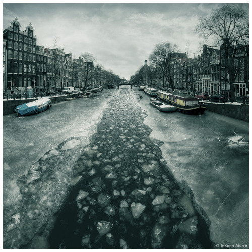 ofsmokyburgundy:  Crush the Canals by JeroenMurre
