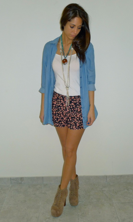 sinfullyserene:  LOOK OF THE DAY Denim & Floral Denim Button Down: H&M Floral Shorts: Forever21 Shoes: Jeffrey Campbell - Lolita Lace Up Bootie Jewelry: Vintage