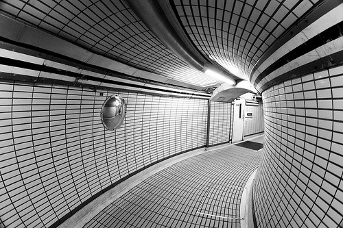 blackandwhite:  London Revisited - Underground (by Ender079)