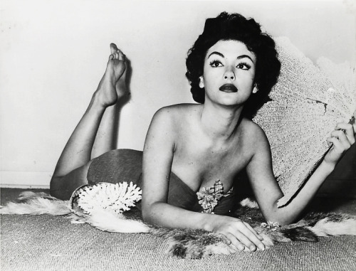 YOWZA. ——> YEARS before 'The Electric Company' — Rita Moreno c. 1950's. Via vintagegal: