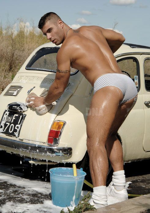 Well worth a reblog of this repost! #beefcake #Carwash. #Alex_Marte DNA issue # 108