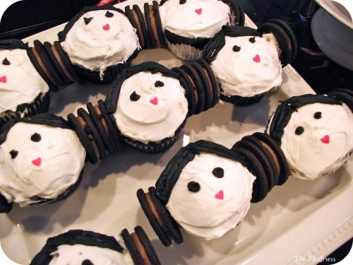 Just some Princess Leia cupcakes.