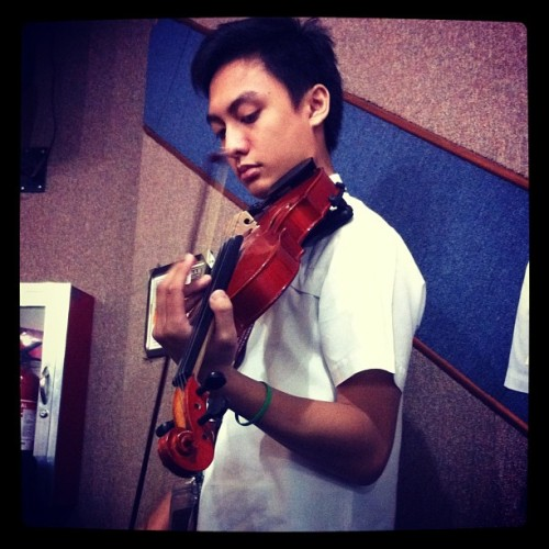 Who wouldn't fall for a guy playing the violin? (Taken with instagram)