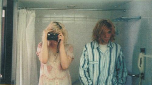 2/24/92 - Kurt & Courtney get married in Waikiki, Hawaii. Kurt wears pajamas while Courtney is wearing an antique lace dress that once belonged to Frances Farmer. Dave Grohl, Dylan Carlson & others attended while Krist Novoselic did not.