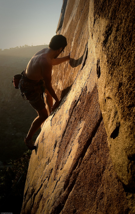 Orange Sunshine, 11a. Mission Gorge. Good day of climbing—that makes 39 consecutive days without a rest day. www.livingvertical.org