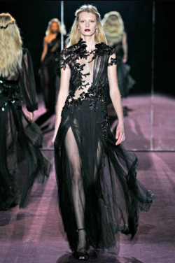 skull333:  GUCCI Fall 2012 RTW love this dress♥
