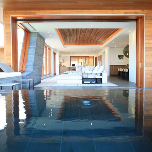 kid-epic:  Kona Indoor Swimming Pool by Belzberg Architects