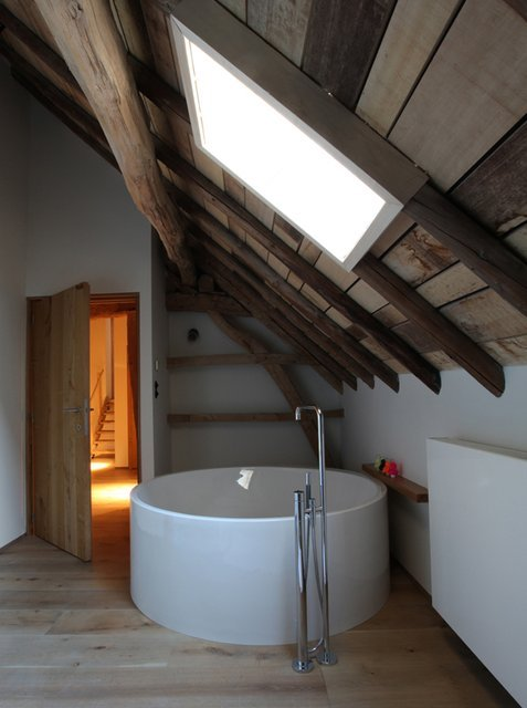 Round Japanese Soaking Tub